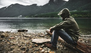FI_contemplation-by-mountain-lake
